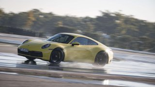 Porsche 911 Carrera 4S Wet Mode 1