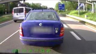 Řidič Fabie v Ostravě vybrzdil autobus. Dostal tvrdou lekci