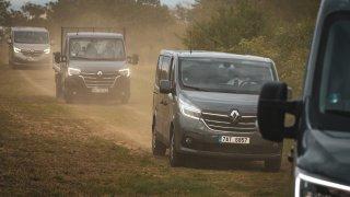 Užitkové vozy Renault Trafic a Master dostaly nový kabátek. Zašpinit si ho nebojí
