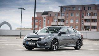 Nová Honda Civic je pořád originální, ale už víc u