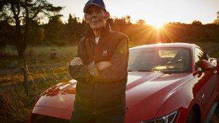 Téměř stoletý Švéd si koupil Mustanga 4
