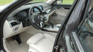 BMW 730d interiér 4