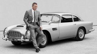 James Bond a jeho Aston Martin DB5