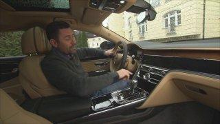 Nové Bentley Flying Spur má špiónskou palubku. Může vypadat třikrát jinak