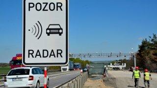 Radary na D1 už rozdaly desítky tisíc pokut. Provo