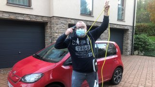 Glosa: Koronavirus drásá psychiku řidičů elektrických aut. Řadí se mezi rizikovou skupinu!