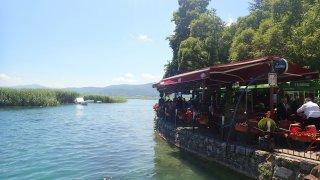 Ve městě Struga se nedopočítáte kavárniček a resta