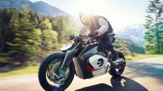 Zapojte se do bikerské diskuze! Líbí se vám elektrický pseudo Boxer u BMW Vision DC Roadster?