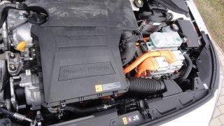 Hyundai Ioniq PHEV - interiér 1
