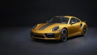 Porsche nabízí zlatou edici911 včetně hodinek za čtvrt milionu