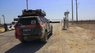 Fotr na tripu 47: Silnice v Uzbekistánu jsou spíš pro velbloudy, ale vlaky tu sviští 250 km/h
