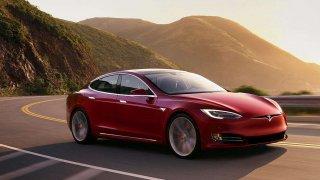 Tesla v problémech. Nestíhá vyrábět a vykázala rekordní ztrátu