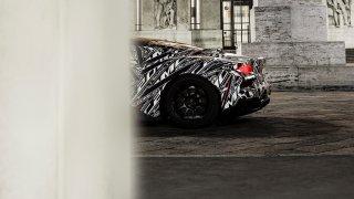 Nový supersport značky Maserati se skrývá pod maskou. Přesto známe část tajemství projektu MC20