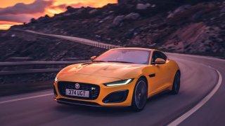 """Nejnadupanější Jaguar F-Type nově nese označení """"R"""". Přiváží novou vizáž i techniku"""