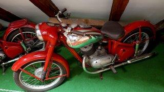 V roce 1947 jsme měli oficiálně nejlepší motorku na světě!