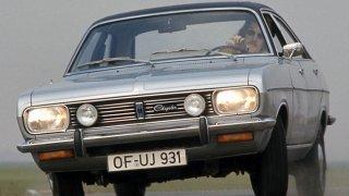 Poklady českých stodol a garáží: Chrysler 180 býval autem řezníků a veksláků, dnes je raritou