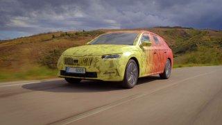 Nová Škoda Octavia: Nikdo ji ještě neviděl, ale my už jsme s ní jezdili. Tady jsou naše první dojmy