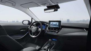 Je lepší hybrid nebo elektromobil?