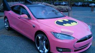 Tesla Model S Batmobil 3
