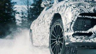 Luxusní SUV do sněhové vánice. Nové video s Lamborghini Urus