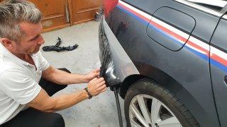 Odstraňování polepů z vozu