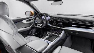 Audi Q8 interiér