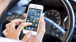 iPhony se budou za jízdy vypínat, aby nerušily řidiče
