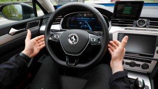 Na německých dálnicích se testují vozy s automatizovaným řízením