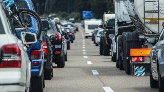 Za čas promarněný v kolonách si řidiči mohou převážně sami. I proto, že nepoužívají blinkry