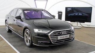 První setkání s novým Audi A8. Je obrovské apůsobivé