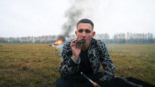 Youtuber zapálil mercedes