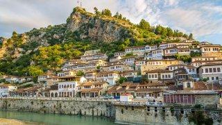 Berat - město, které komunisti architektonicky ne