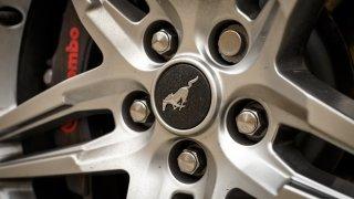 Ford Mustang interiér 6
