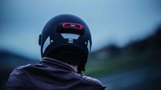 Světlo pro motorkáře, které dokáže při nehodě přivolat pomoc