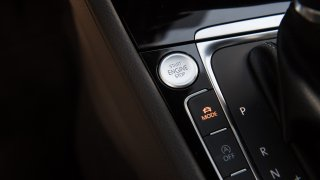 VW Golf 1.5 TSI Evo interiér 4