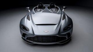 Aston Martin V12 Speedster je supersport inspirovaný stíhačkou. Stojí 22 milionů a dokáže letět 300