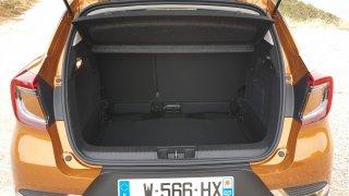 I malá SUV mohou mít velký kufr. Pomáhají si třeba posuvem zadních sedadel
