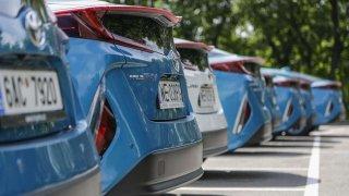 Toyota bude skladovat energii v akumulátorech ze svých aut