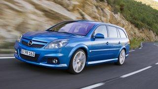 Opel Vectra OPC: Na tátu-závodníka mysleli před de