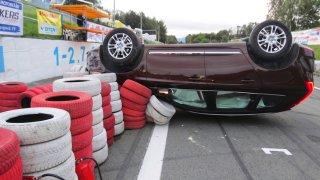 Nepochopitelná nehoda. Volvo XC60 bouralo na okruhu