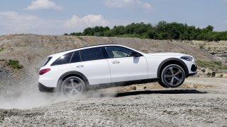Na skok do terénu: Mercedes C All-Terrain se ukáže na IAA v Mnichově. Nabídka motorů je zklamáním