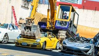 destrukce zabavených aut