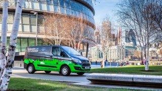 Ford rozšiřuje program testování užitkových vozů Transit PHEV