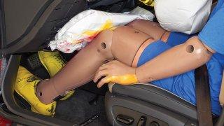 Kolenní airbagy
