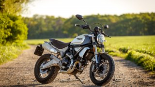 Ducati Scrambler 1100 - Ve vzduchu je síla
