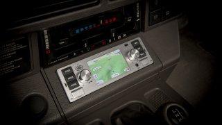 JLR - multimediální systém pro klasické vozy
