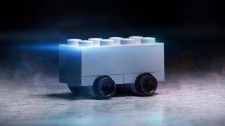 Lego si dělá legraci z Tesly