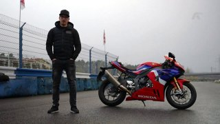 Recenze motocyklu Honda CBR 1000RR-R Fireblade SP