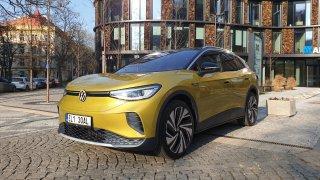 První test Volkswagenu ID.4: Snaha být plnohodnotným autem z něj čiší. Někdy až přehnaně