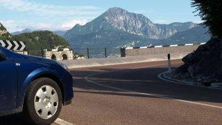 Na letních cestách čeká řidiče řada omezení, je lepší se na ně připravit